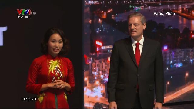 Bà Lê Thị Thu Thủy phát biểu tại Paris Motor Show 2018