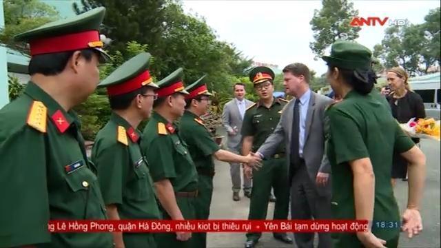 Đoàn Bộ Quốc phòng Mỹ thăm Bệnh viện 175