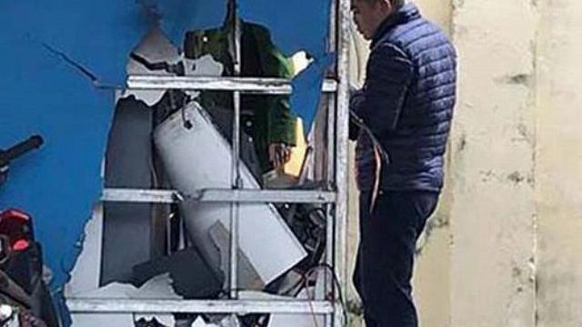 2 đối tượng dùng mìn nổ cây ATM để cuỗm tiền