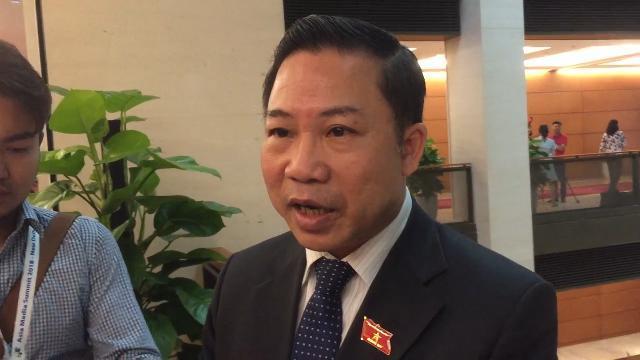 Đại biểu Lưu Bình Nhưỡng nói trước quốc hội một đàng nhưng trước báo chí một nẻo.mp4