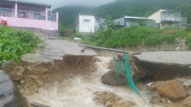 Mưa lũ lướn đã khiến nhiều người thương vong ở Nha Trang