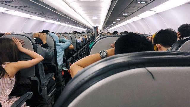 Hành khách hoảng loạn, la hét khi máy bay Vietjet nghi gặp sự cố.