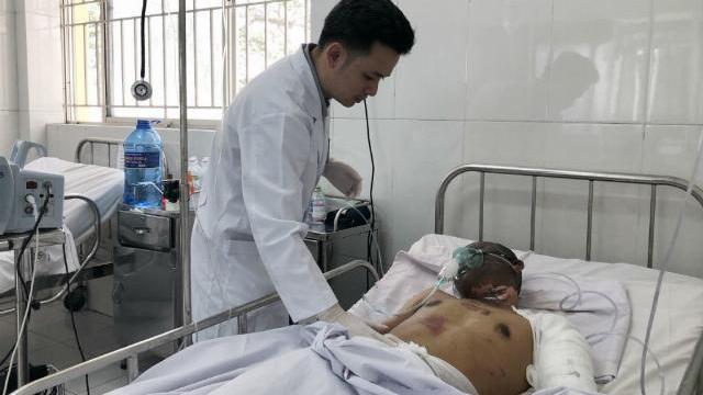 Bác sĩ cho biết tình trạng tài xế trong vụ nổ xe bồn ở Bình Phước