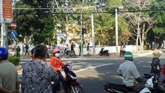 Phó phường đội bắn chết nữ phó chủ tịch HĐND phường rồi tự tử