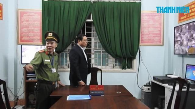"""Chủ tịch và Giám đốc công an Đà Nẵng """"vi hành"""" kiểm tra lực lượng tuần tra đêm"""