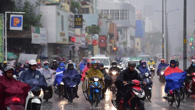 Sáng nay, TPHCM, Đồng Nai, Bình Dương, Vũng Tàu dông sét, mưa to