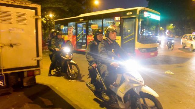 Theo chân Cảnh sát cơ động tuần tra chống đua xe trong đêm