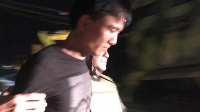 Toàn cảnh vụ bắt giữ 3 nghi can buôn ma túy cố thủ trong xe sử dụng vũ khí