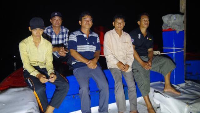 Lời kể của ngư dân bị Tàu Trung Quốc xịt vòi rồng, ép tàu Việt Nam