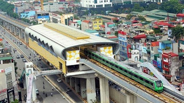 Đường sắt Cát Linh - Hà Đông vẫn ngổn ngang dù sắp đi vào khai thác