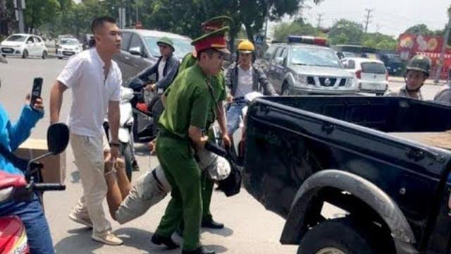 Video bắt đối tượng cướp ngân hàng Vietinbank ở Hà Nội