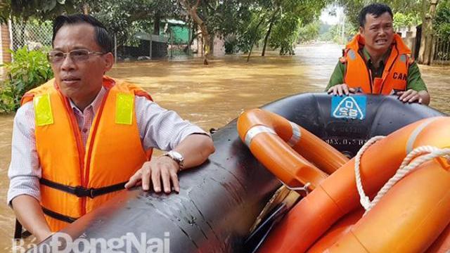 Đồng Nai mưa lớn ngập hàng trăm ngôi nhà