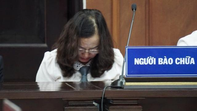 Vụ án đường Hồ Chí Minh: Nhiều người gục mặt xuống khóc