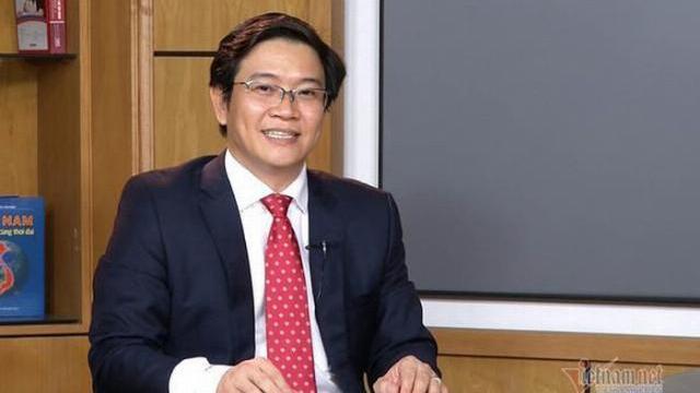 Tiến sĩ Thái Văn Tài, Vụ trưởng Vụ Giáo dục Tiểu học, Bộ Giáo Dục và Đào tạo trao đổi về SGK mới.mp4