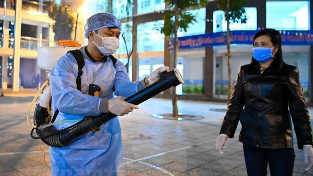 """""""Chuẩn bị phun thuốc chống virus corona trên bầu trời toàn quốc"""" là tin giả"""