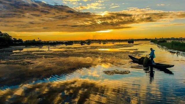 Bình minh trên đầm phá nước lợ lớn nhất Đông Nam Á