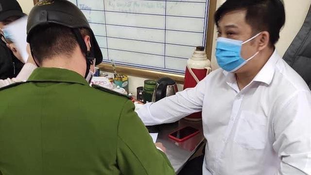 Bệnh nhân đấm bác sĩ khi bị nhắc nhở đeo khẩu trang để phòng chống dịch Covid19