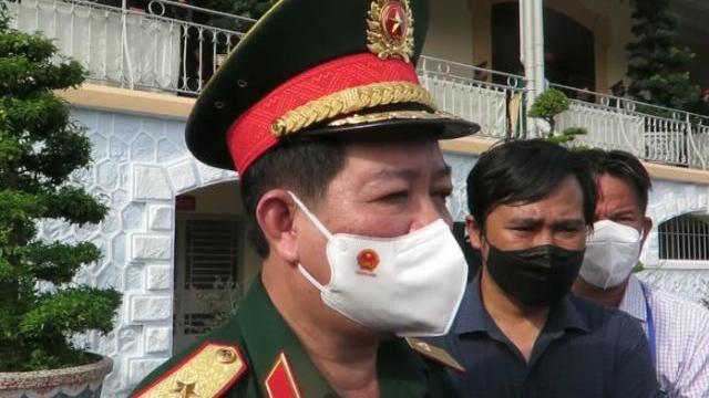 Thiếu tướng Phan Văn Xựng nói về nhiệm vụ tiếp nhận, bàn giao tro cốt bệnh nhân Covid-19 tử vong